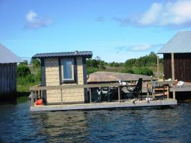 The mobile floating sauna